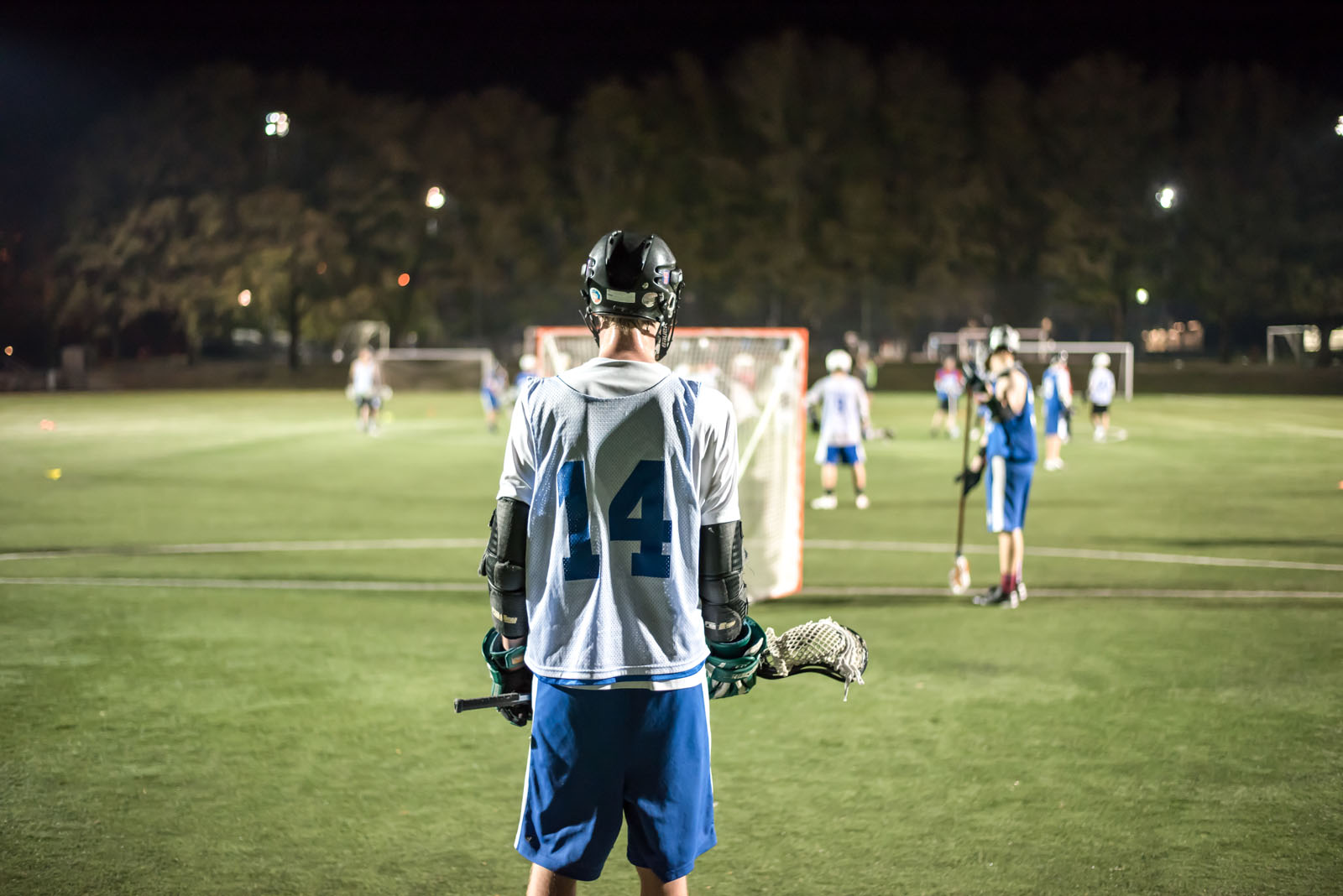 The men's lacrosse team placed fourth in the Canada West Field Lacrosse League in 2014.