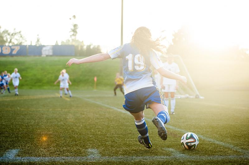 Women's soccer salvages draw against SFU Clan