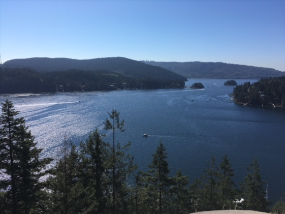 Pick your hiking day wisely for Quarry Rock, it's a popular tourist destination.