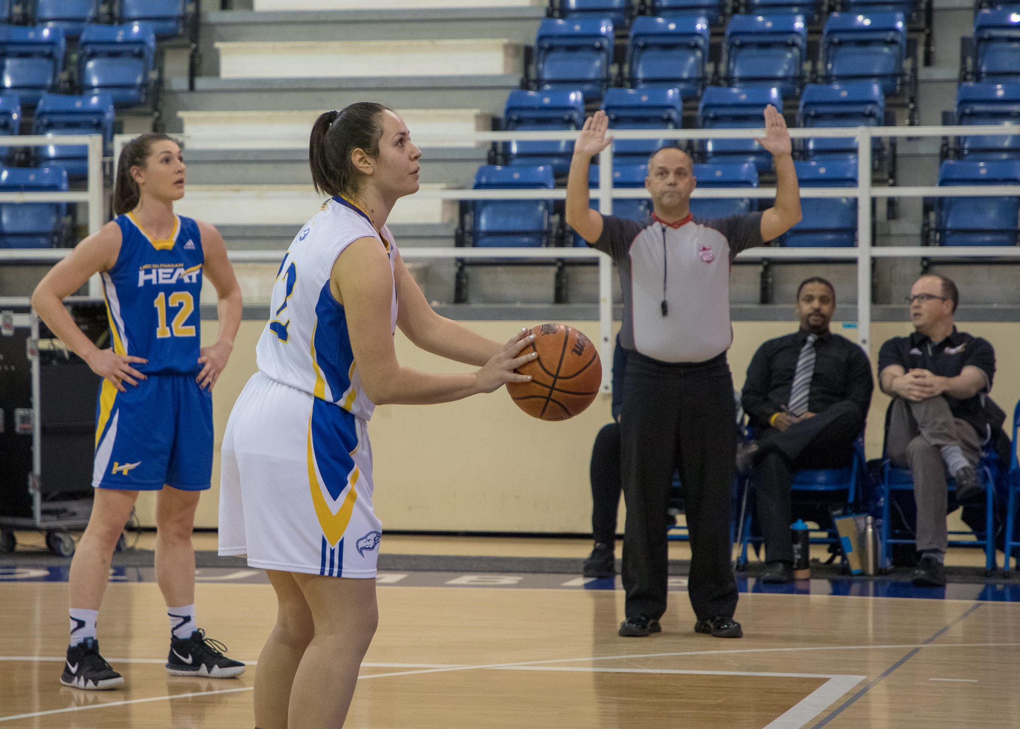 Dina Strujic sets up for a free throw.