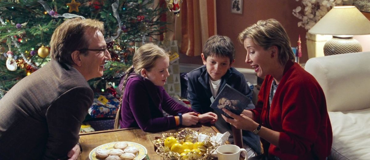 The scene in which Karen realizes her husband Harry, is being unfaithful is perhaps the strongest in the entire film.