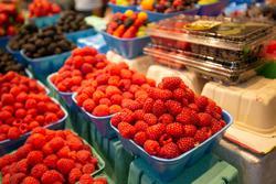 Raspberries produce