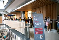 federal election voting line